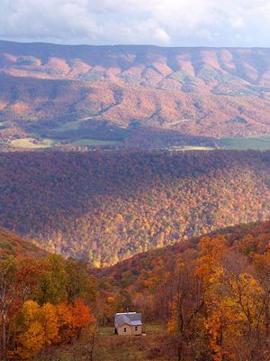 Photo of a house in a West Virginia valley by whobee.